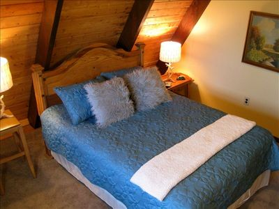 Emerald Lakes chalet rental - Relax in a cozy bed, a cozy space