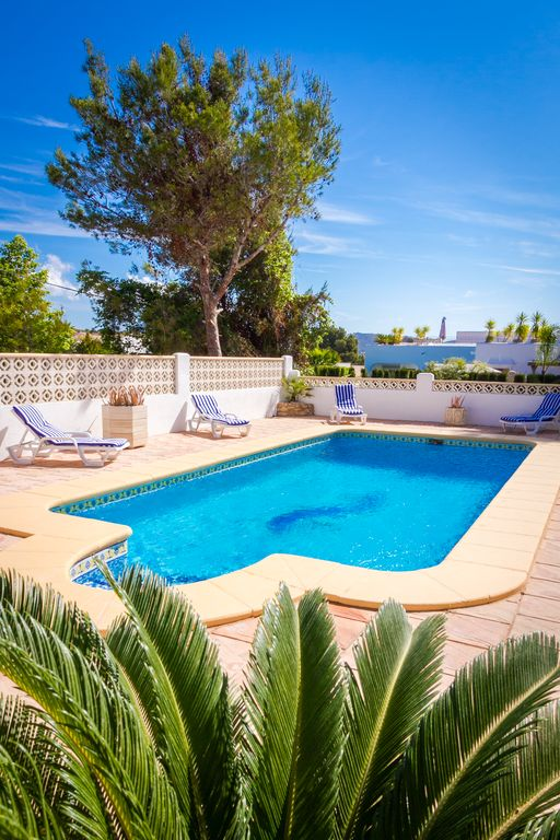 2 Bed Apartment in Cap Blanc With Private Pool & Terrace Close to All Amenities