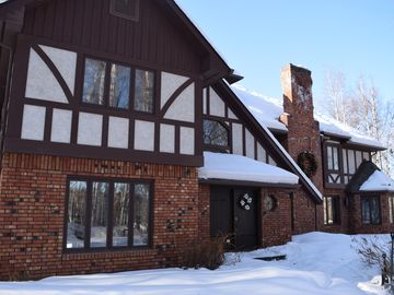 Fairbanks estate rental - Front of House in the Winter