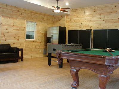 The 550 sq ft Gathering-Game Room has Ping Pong,Pool Table,Foosball, 2nd fridge.