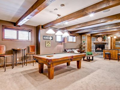 Copper Mountain house rental - Lower level recreation room with wet bar, microwave and refrigerator