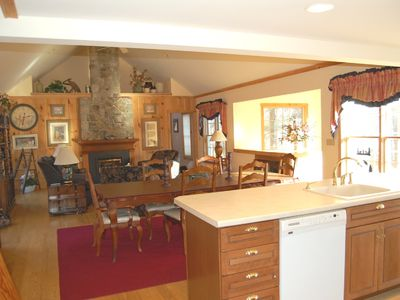 Mount Snow house rental - Great Room (Kitchen, Dining, and Living Areas, 16-foot cathedral ceiling)