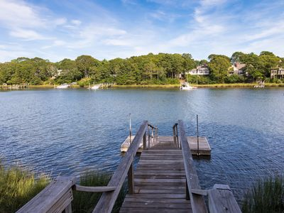 New Seabury Waterfront & Private Dock: Beautiful, Bright & Airy Mid-Century Home