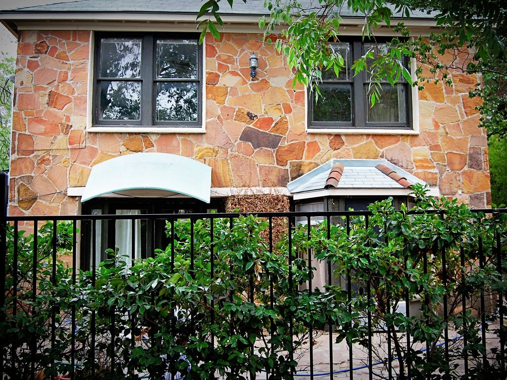 Urban Hideaway — Minutes from Downtown and Barton Springs