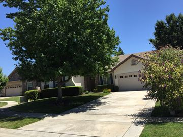 Sacramento house rental - Welcome Home. This move in ready 3 br 2 ba fully amenitized home awaits.