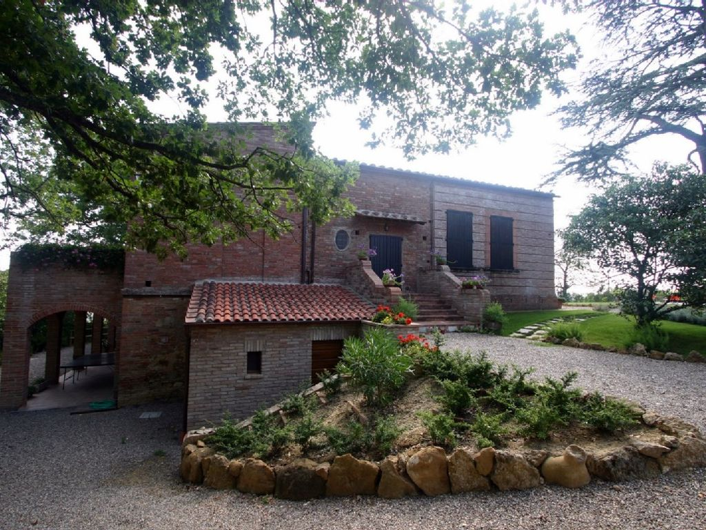 Peaceful house, 350 square meters