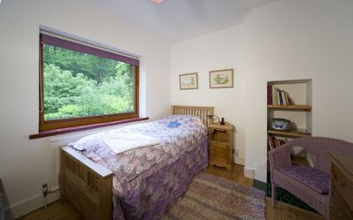 Waverley cottage rental - One of the single bedrooms
