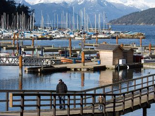 Vancouver apartment photo - Horseshoe Bay for boat rentals or ferries to Vancouver Island, 15 minutes away