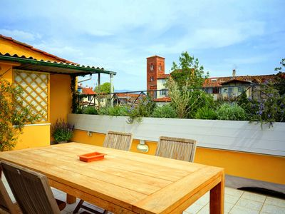 Piazza Anfiteatro apartment with a large terrace measuring