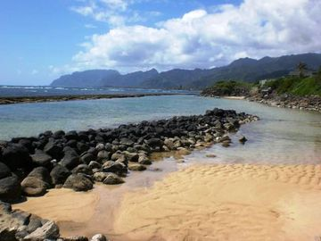 Laie house rental - Bathtub Beach is ideal for sand castles- at low tide!
