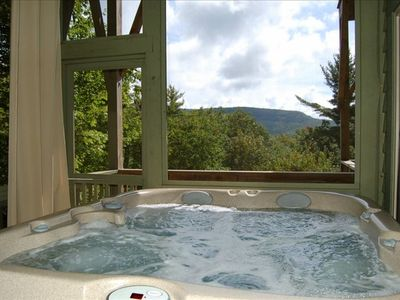 Hot Tub with Privacy and Mountain View. Professionally Maintained - Weekly!