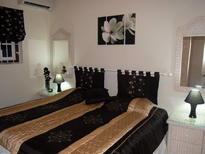 Elegantly furnished twin (or king size) bedroom