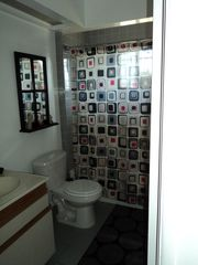 Los Angeles house photo - 2nd bathroom