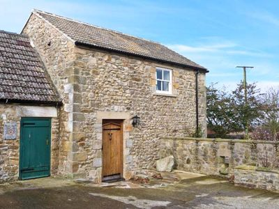 STONETROUGH BARN, with a garden in Newton-Le-Willows, Ref 22290