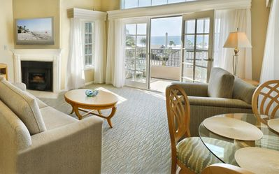 Del Mar condo rental - Newly Remodeled Living Room with Ocean View at the Villa L'Auberge