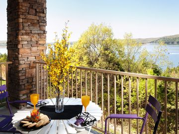 Branson condo rental - Plan your day with breakfast on the lovely deck or patio!