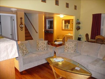 Open living & dining room.