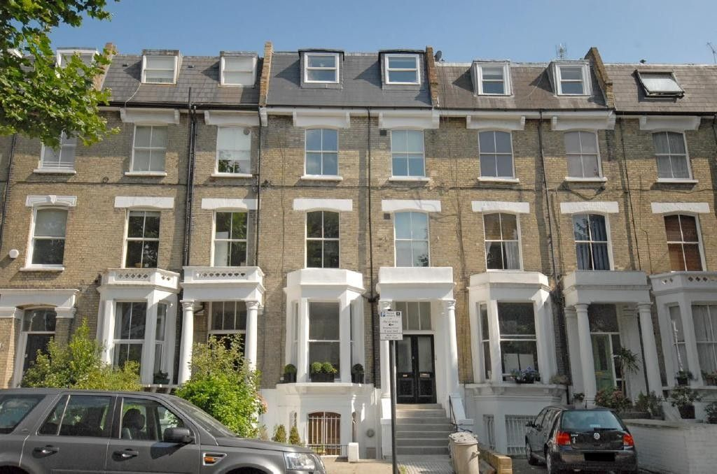 fabulous 2 bedroom flat in central london close to major tubes very