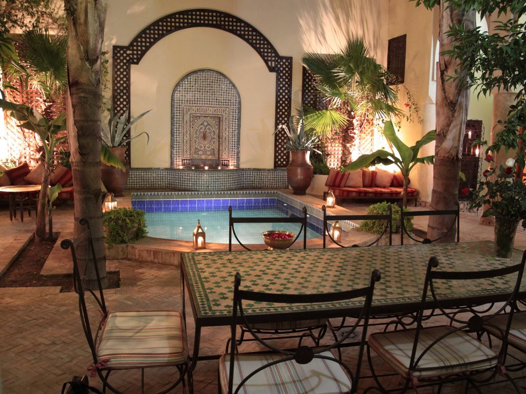 Dar sultana riad mauresque avec piscine 4x5 m for Riad piscine privee marrakech