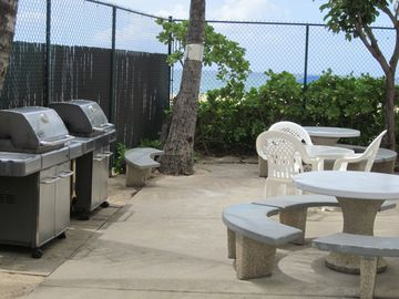 The Barbeque Area with new Gas Grills right on the Beach!