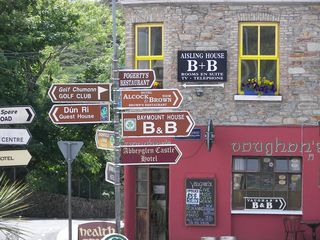 County Mayo house photo - An intersection in Clifden Town
