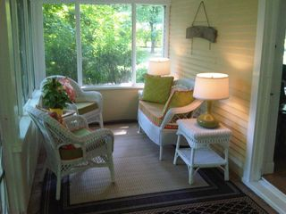 Union Pier farmhouse photo - Screened porch