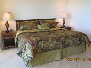 Masterbedroom with King Bed
