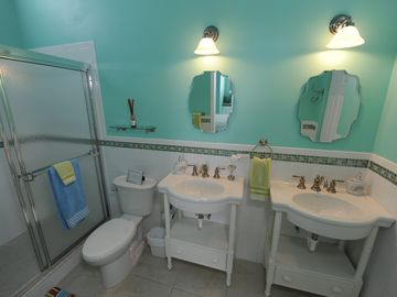 Second Floor Ensuite Bathroom