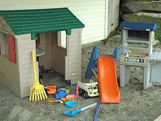 Waterbury Center villa photo - A stacked SANDBOX will keep every toddler busy and happy.