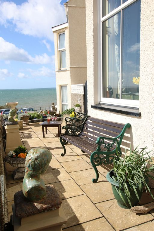5 Star Luxury House. Stunning Sea Views. 2 minutes from beach. Sleeps 8