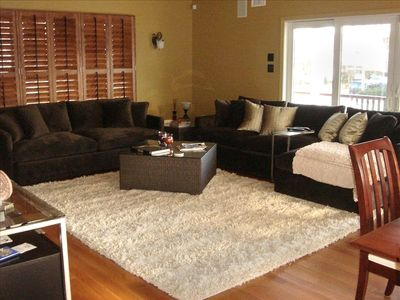 Beautiful Oversized Great Room for Relaxing or Entertainment with 60' Plasma