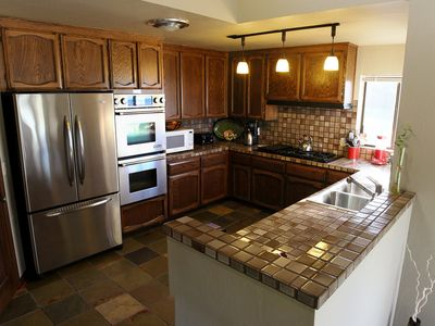 Large kitchen that accommodates many kitchen helpers!