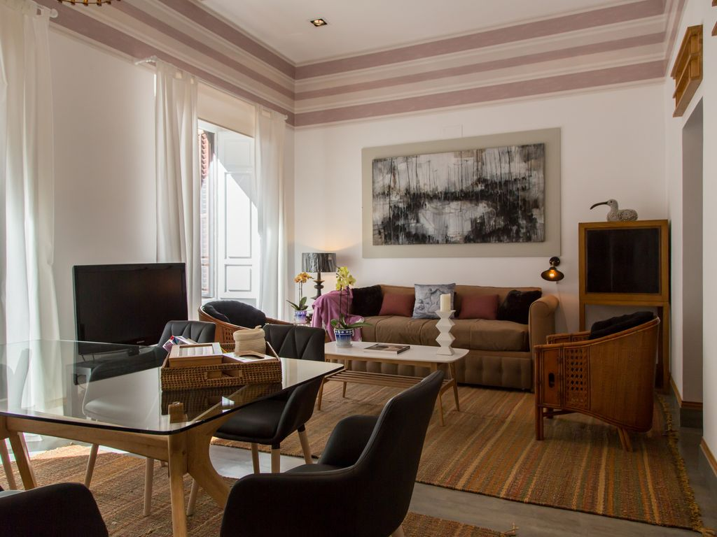 Charming luxury apartment in the heart of the historic district, Plaza Mayor