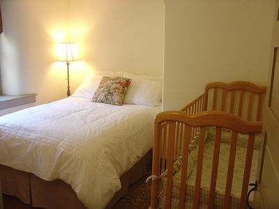 Lancaster farmhouse rental - Bedroom with Full Bed and full-sized crib