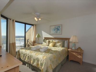 Oceanfront Master Suite with King Sized Bed & Flat Screen TV