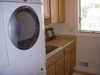 Gold Coast condo photo - Laundry room