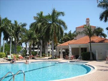 Club Bahia Pool with Hot Tub and Club House with Exercise Equipment