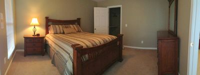 Master Bedroom -- Queen size bed