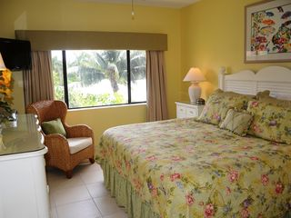 Grand Cayman condo photo - Master Bedroom- King bed