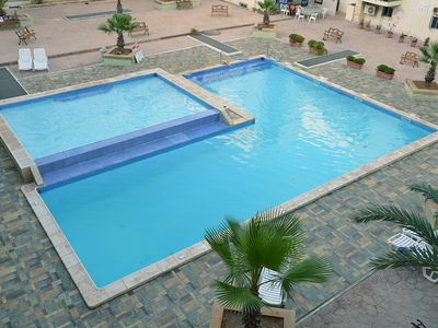 Luxury modern 3 double bedroom  apartment with shared pool close to the beach
