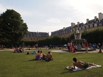 Place des Vosges during Summer time