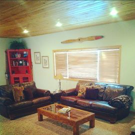 Evergreen Estates house rental - Living Room with 60' TV