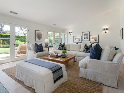 4/3-Private Classic Warm & Inviting- Walk to Beach Starbucks Market