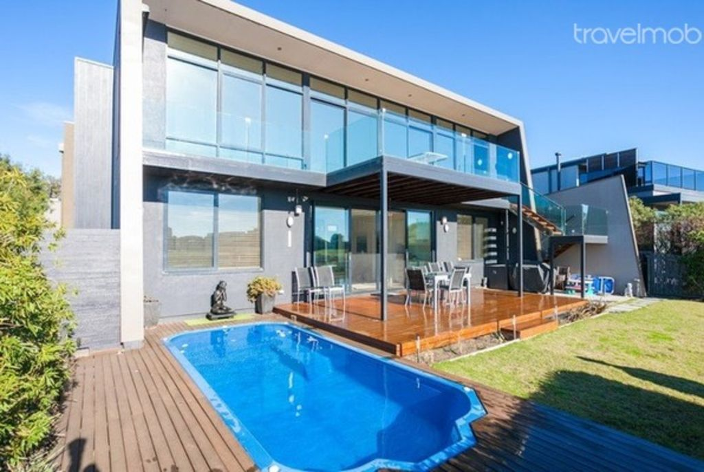 Great Ocean Road Holiday House Id 196 Fabulous Home With Swimming Pool