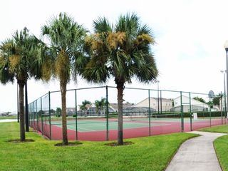 Hampton Lakes villa photo - Tennis Court and Basketball Court