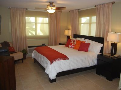 Master Bedroom with King Size Bed, Cable TV/DVD, A/C, Walk-in Closet...