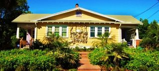 Daytona Beach house photo - Two Sided Cottage with Metal Sculpture. Hemingway on Right, Fitzgerald on Left