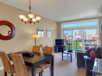 Spacious One Bedroom Condo With Water And City View- Sea To Sky Rentals!