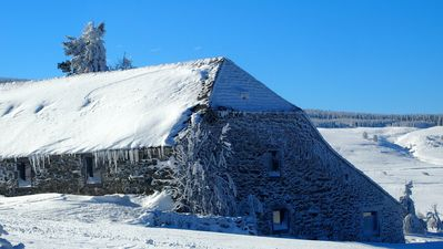 Authentic farmhouse dating back from 1631 sleeps 24 in Le Mézenc