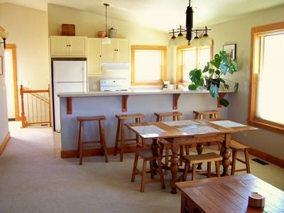 Enjoy convenience and flexibility in the full eat-in kitchen and dining area.